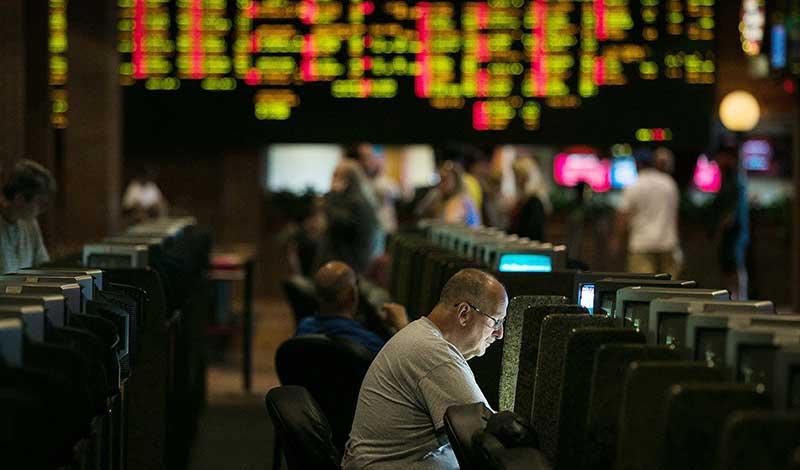 Big Players Making Moves for Regulated US Online Sportsbook Market